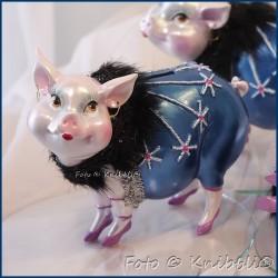 Sparschweinchen als bezaubernde Diva 02