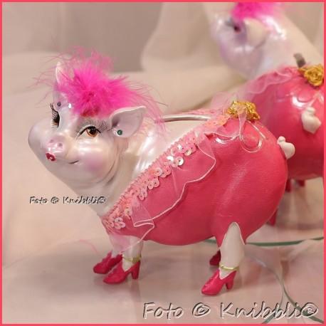 Sparschweinchen als bezaubernde Diva 05