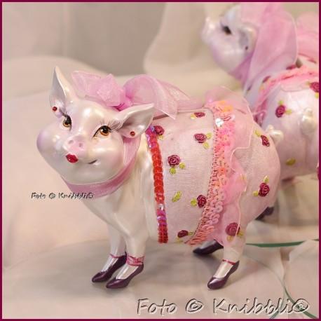 Sparschweinchen als bezaubernde Diva 06